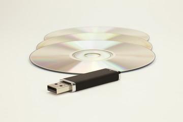 DVD e chiavetta USB