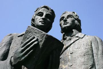 Brüder Grimm Statur