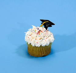 Cupcake with graduation hat