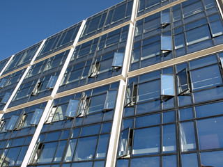 Hochhausfassade in Paris La Defense