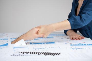 Helping hand against bureaucracy
