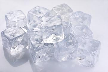 Coctel, refrescos, cubitos de hielo