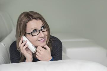 Ragazza al telefono