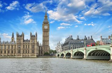 Photo sur Plexiglas Londres London. Beautiful view of Westminster Bridge and Houses of Parli