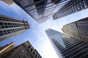 Looking up Lower Manhattan skyscrapers, New York City Fototapete