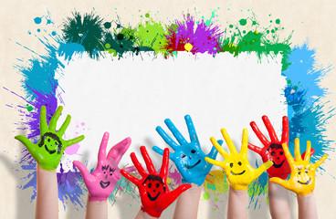 lachende Kinderhände