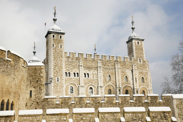 Fototapete - Snow covered Tower of London