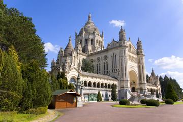 Basilica of Lisieux (Normandy, France) Fototapete
