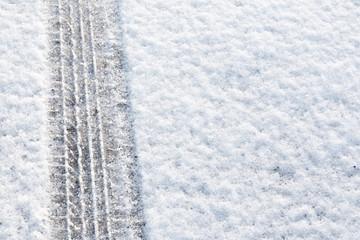 Tyre tread in the snow