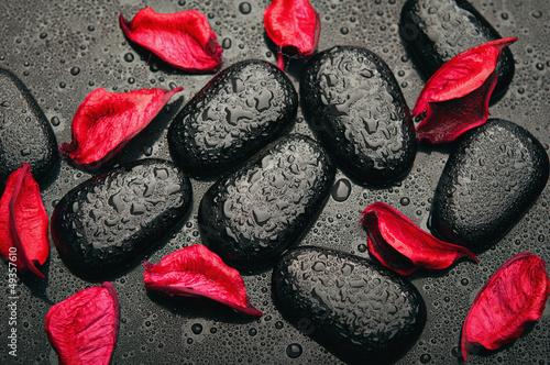 Камни черные цветок  № 2989362  скачать