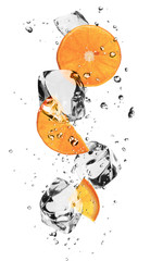 Foto op Plexiglas In het ijs Oranges slices with ice cubes, isolated on white background