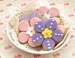Fototapete - Galletas con forma de flores