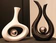 Kontrastfarbene Vasen Black&White
