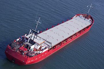 Frachtschiff auf dem Nord-Ostsee-Kanal in Kiel, Deutschland