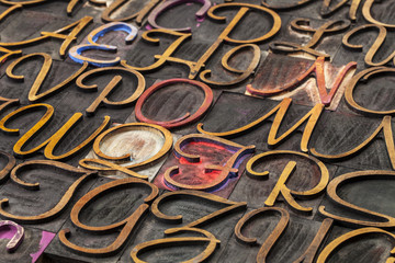 script font wood type