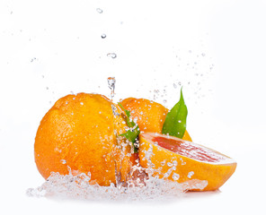 Deurstickers Opspattend water Fresh grapefruit with water splash, isolated on white background