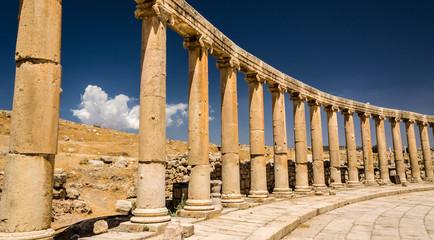 Starożytne kolumny w Cezarei