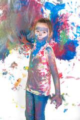 Mädchen beim Malen