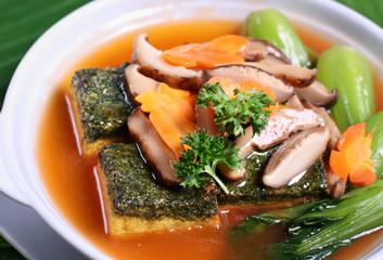 Bean curd and mushroom dish