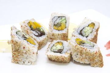 Суши с яйцом и мягким сыром