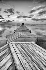 Zig Zag dock in black and white