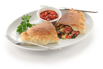 calzone,folded pizza