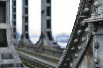 Vielles colonnes métalliques