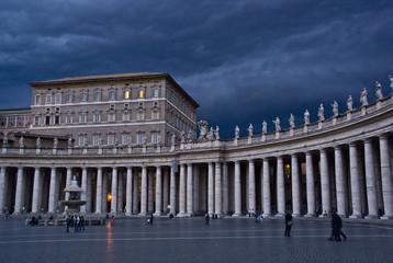 Sturm über dem Apostolischen Palast