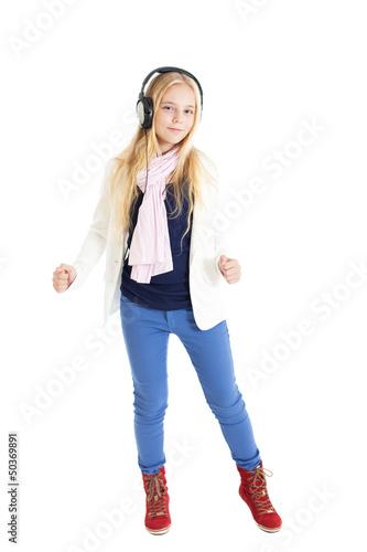Блондинка в наушниках танцует боушам порно ролик