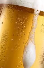 Überlaufendes Bierglas