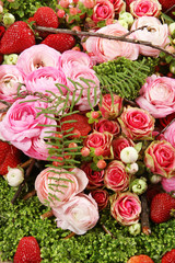 composition of roses and strawberries