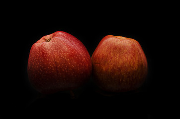 Pair of red apple without flash reflection