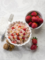 risotto with strawberries and nuts