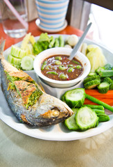 Thai chilli sauce and mixed steamed vegetables