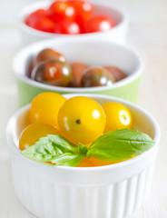 color tomato