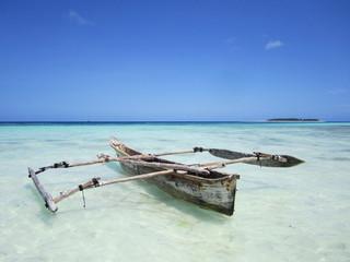 Fischerboot am Traumstrand
