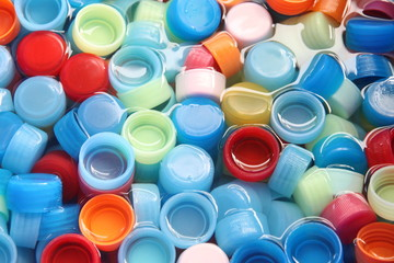 In many colors bottle caps.