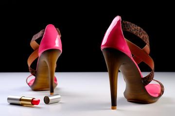 high heels mit lippenstift