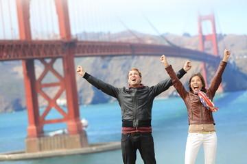 Wall Mural - San Francisco happy people at Golden Gate Bridge