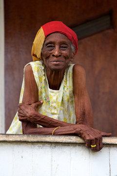 vieille femme créole