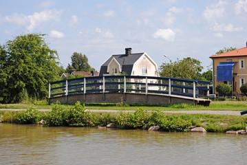 abgestellte  Brücke