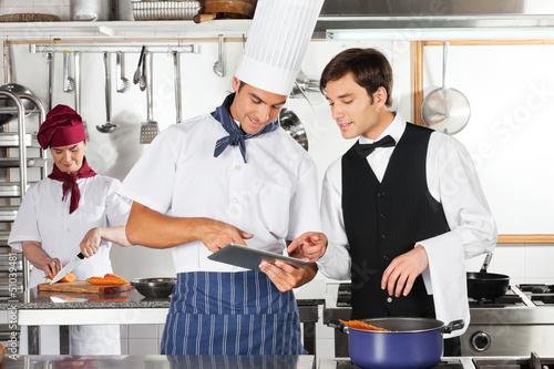 активации нужна повар помошник повора кух рабочий посудомойщица адлере болит шея