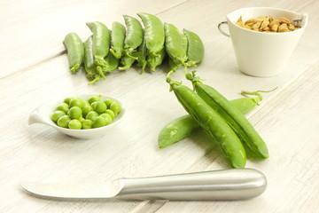 Pea & knife