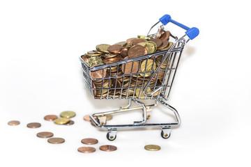 Münzgeld im Einkaufswagen