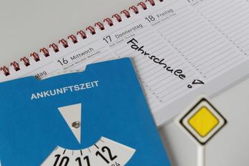 Notiz im Kalender Fahrschule Führerschein