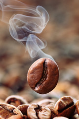 qualmende Kaffeebohne