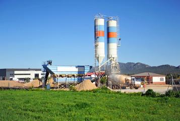 Fabrica de áridos, hormigón y cemento