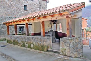 Wall Mural - Lavadero de Guijo de Santa Bárbara, La Vera, Cáceres, España