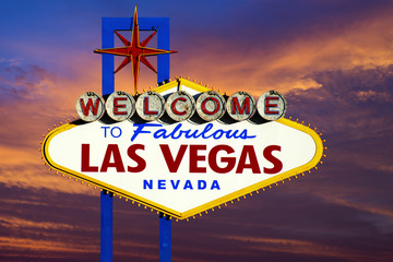 Aluminium Prints Las Vegas Welcome to Las Vegas Sign at sunset