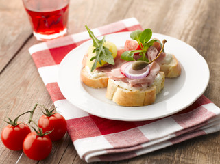 Turkey Ham Canapes